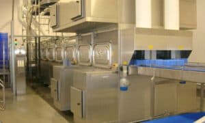 Kistenwaschmaschine von Limex bei Banken Champignons